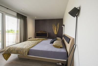 Schlaftrakt in hochwertiger Villa - zwei Schlafräume mit zentraler Ankleide