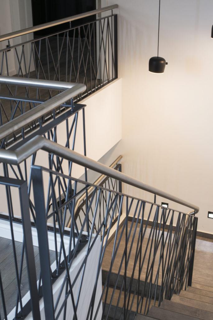 Treppenhaus sowie repräsentativer Flurbereich