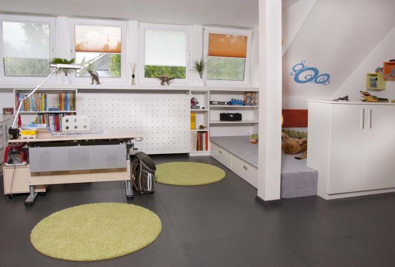 Funktionale Möbel - Podest im Kinderzimmer
