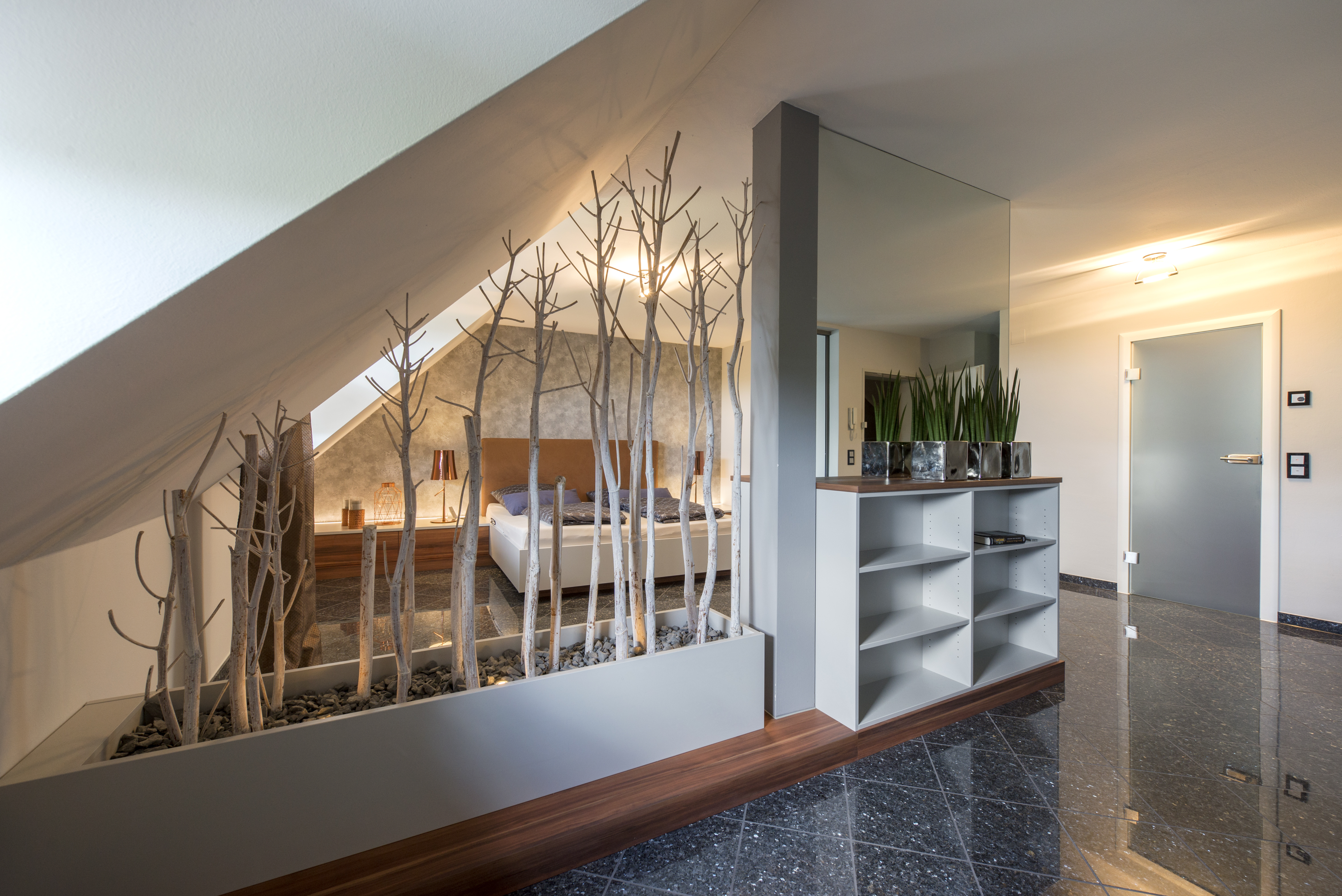 Raumteiler unter Dachschräge - Einrichtungsplanung und ...