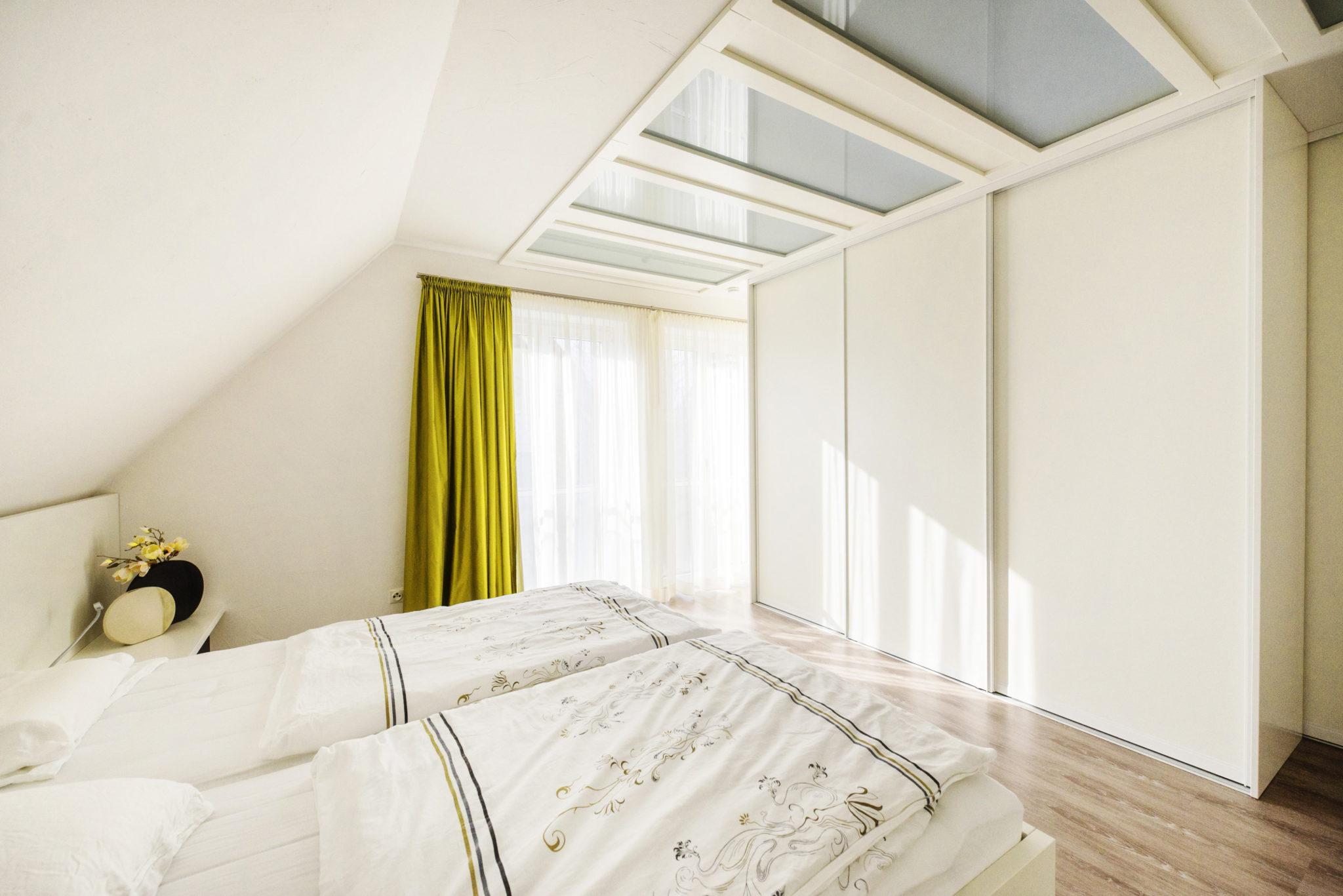 Viel-Licht-im-Schlafzimmer