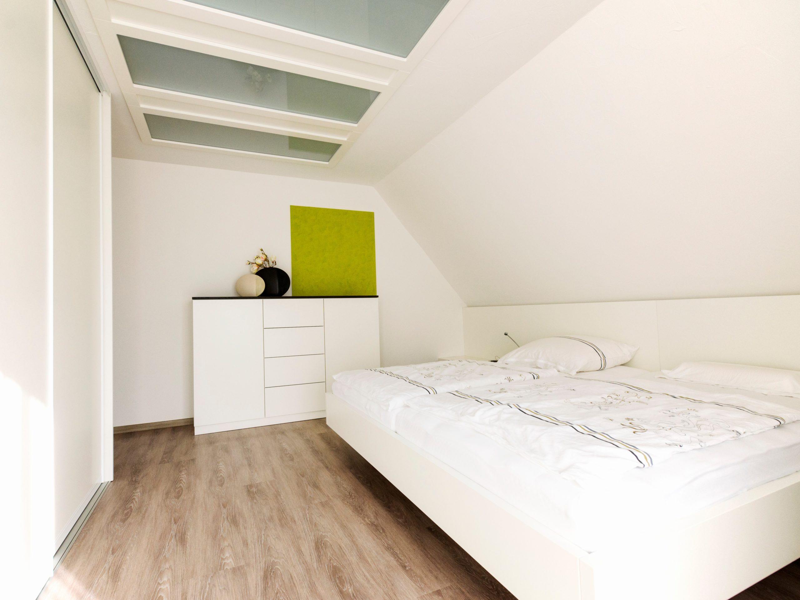 Schlafzimmer weiß nach Umgestaltung