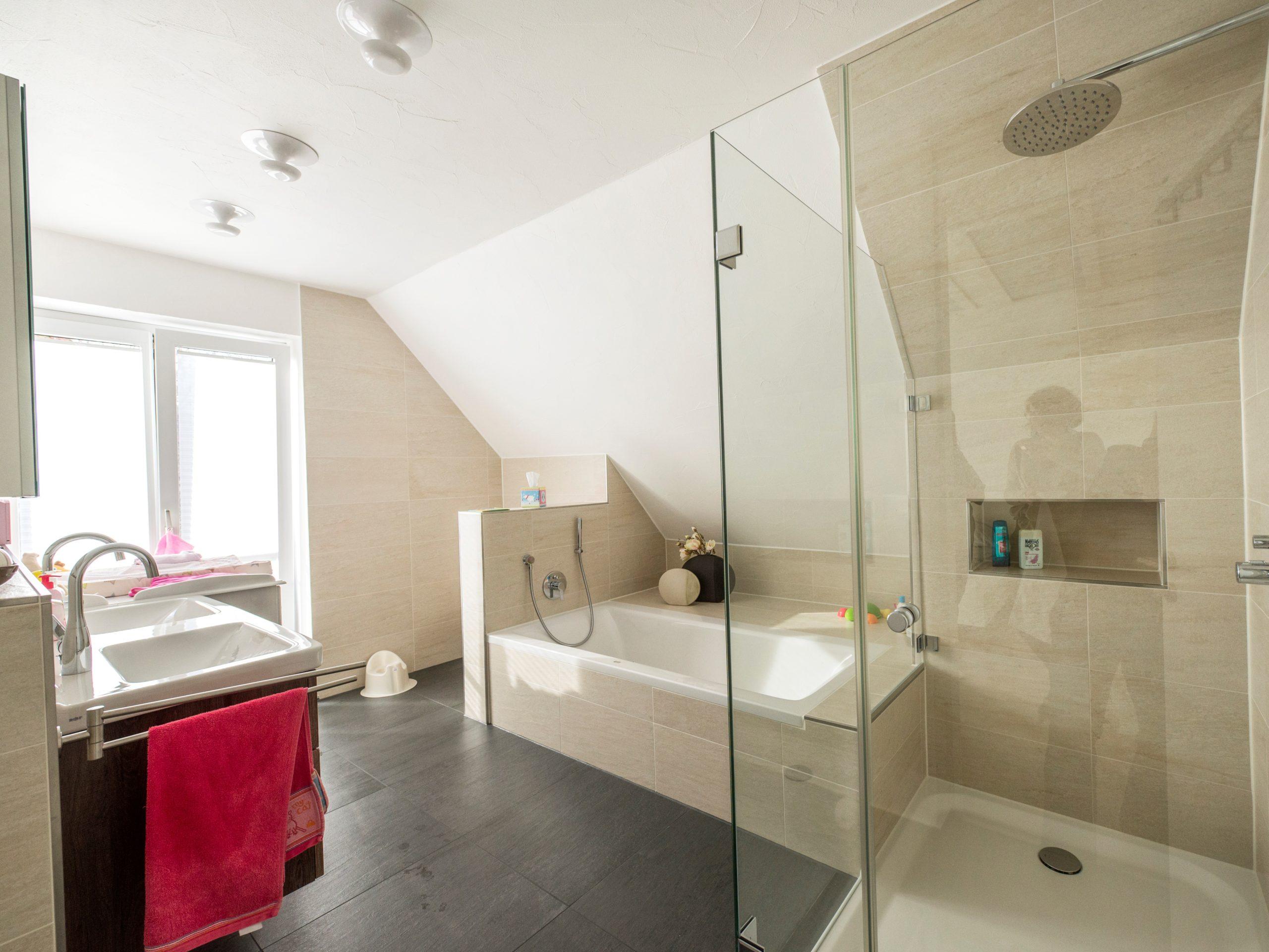 Badezimmer-Raumgestaltung