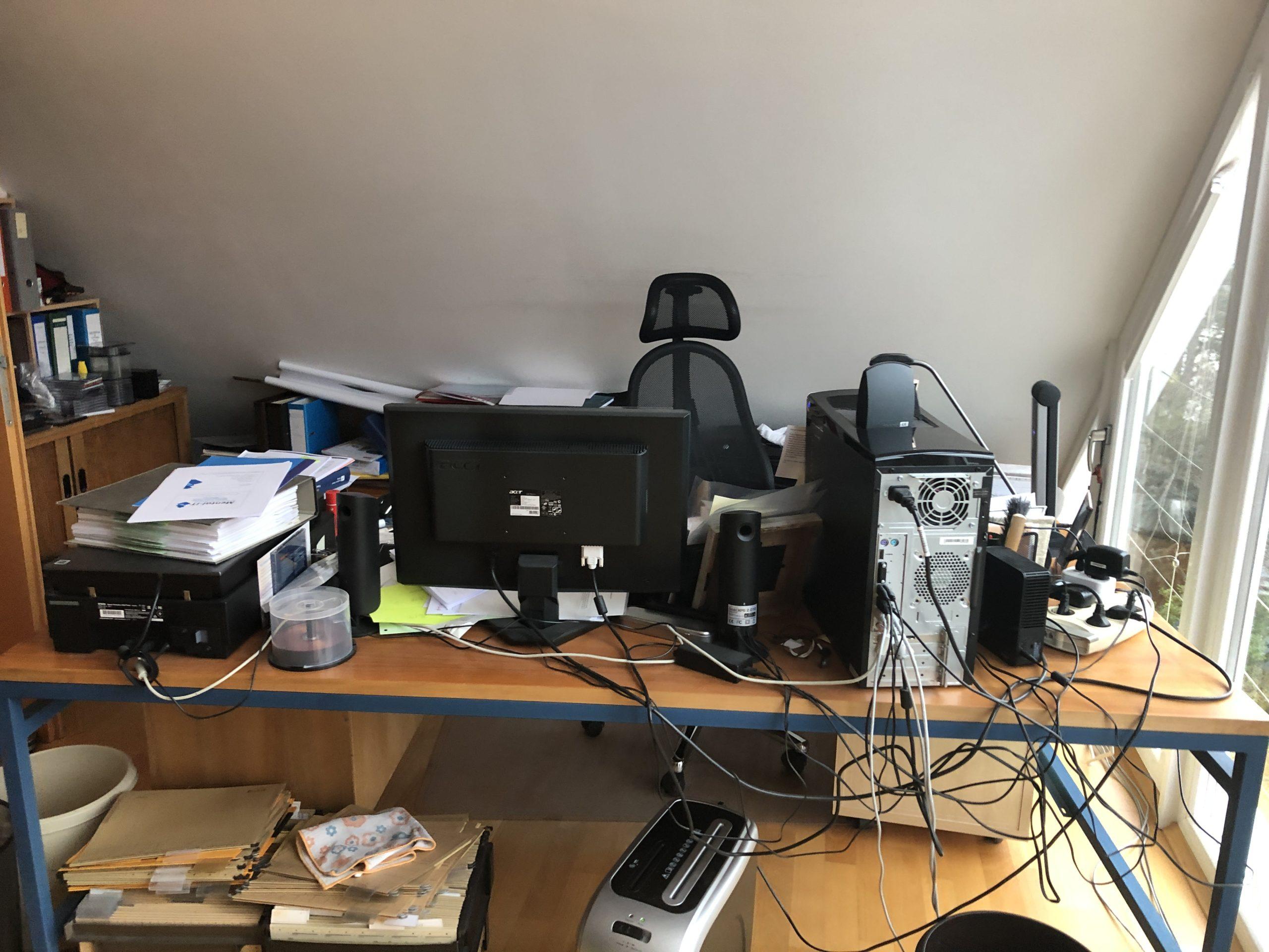 www.ideenraumgeben.de-umgestaltung-eines-grossen-home-office-mit-toller-aussicht-buerotisch-scaled